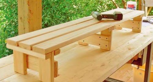 Скамейку для бани можно
