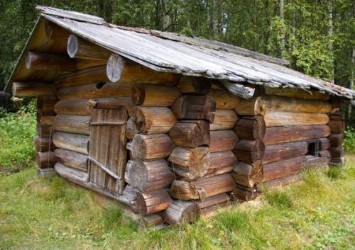 фото: баня на даче из сухостоя