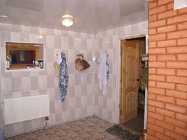 фото: керамическая плитка в моечной бани