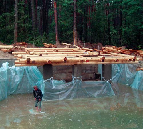 фото: сборка каркаса на воде