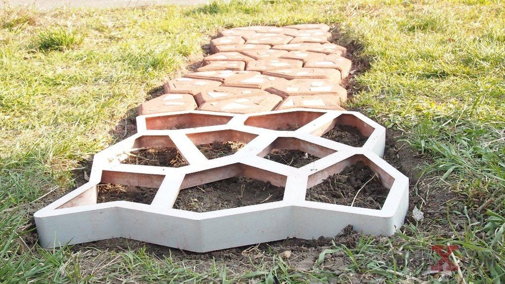 Сделать в саду плитку своими руками 986