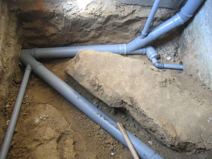 Как сделать канализацию своими руками в доме с грунтовыми водами