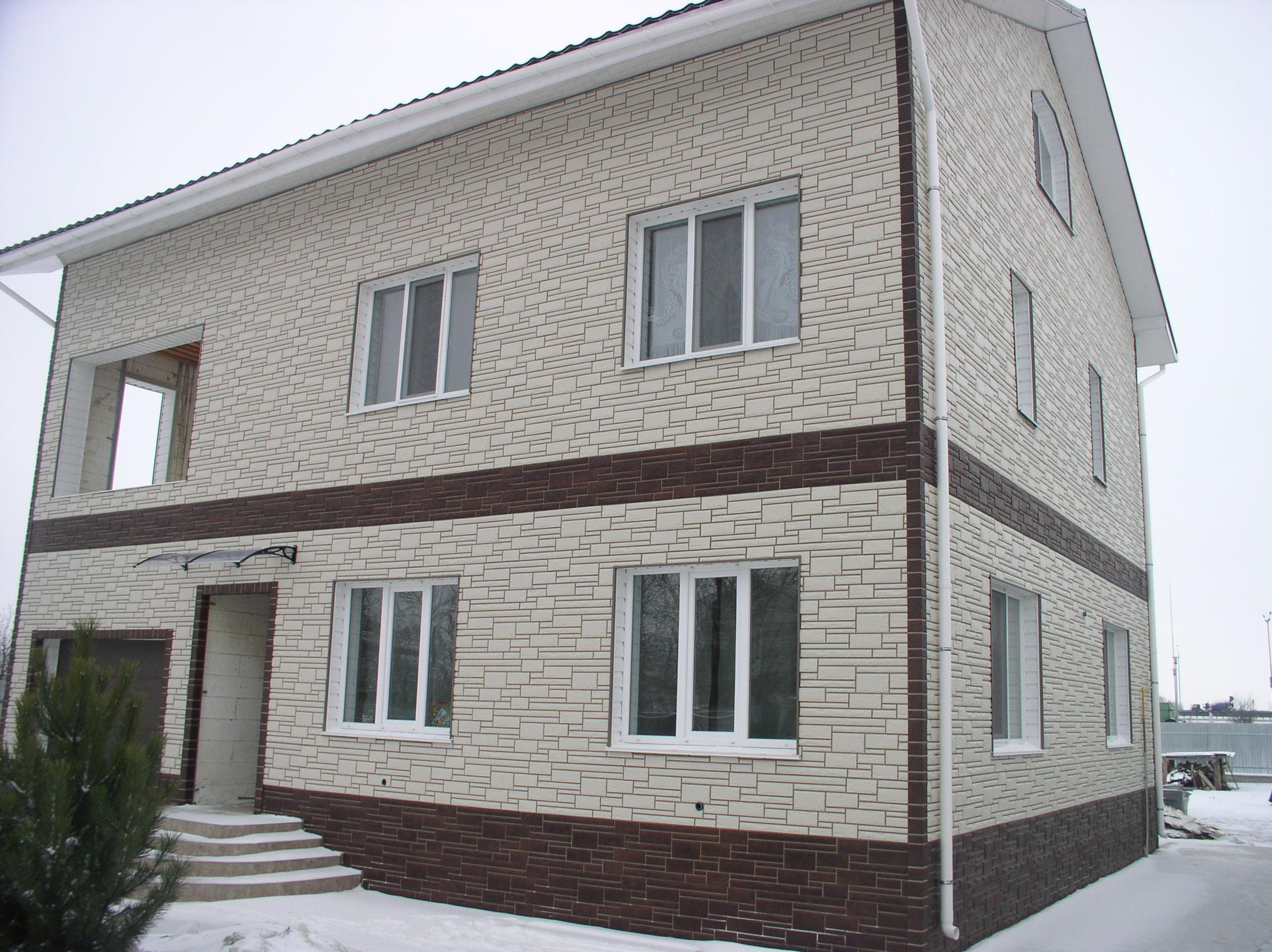 Фасадные панели двухэтажного дома