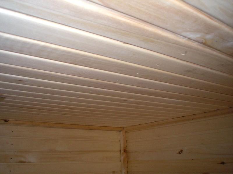 отделка-потолка-в-бане