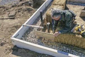 фото: монтаж фундамента для бани