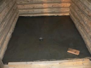 фото: стяжка на грунте полов в бани