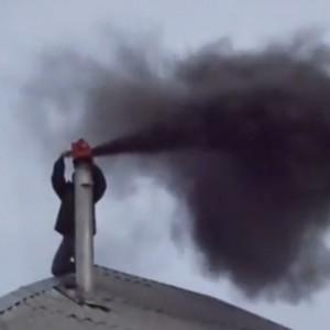 фото: черный дым из трубы