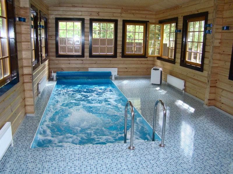 фото: баня с бассейном