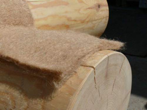 фото: войлок для конопатки бани