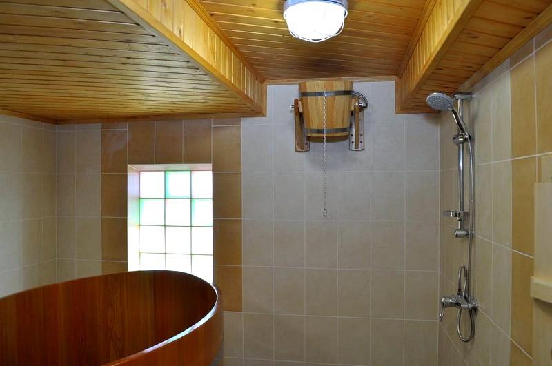 отделка стен моечной бани
