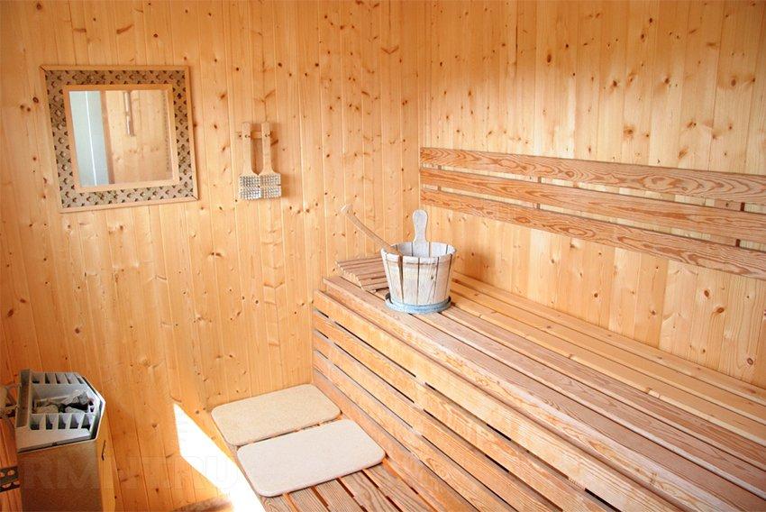 Как сделать полку в бане, выбор древесины и инструкция по изготовлению