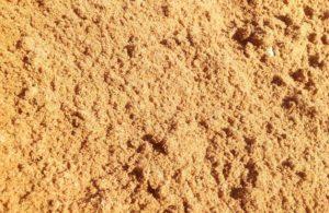 Привлекательность покупки речного песка с доставкой