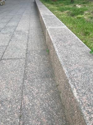 Гранитные бордюры в Москве