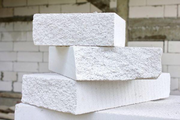 Характеристики основных разновидностей строительных блоков