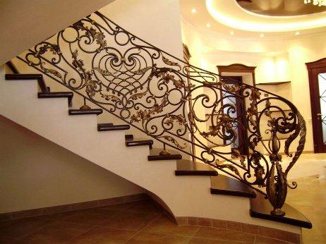 Бетонные лестницы: основательность и надежность